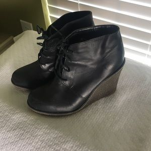 Sz 7.5 kelsi dagger blk lace up wedges.